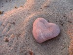 heart-rock-on-the-beach